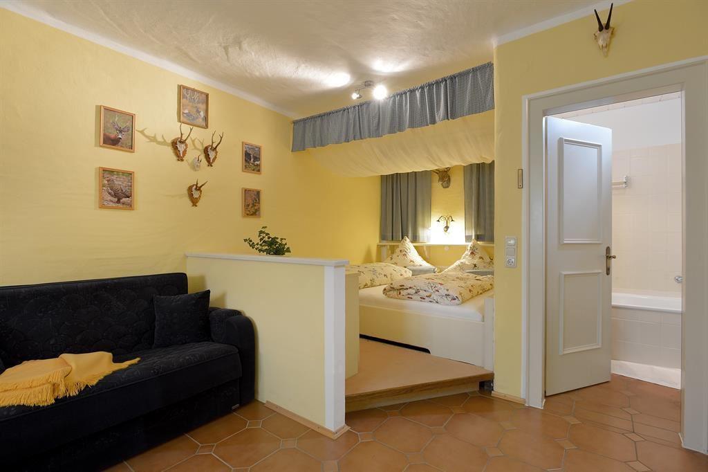 farbgestaltung dachschr ge wohnzimmer